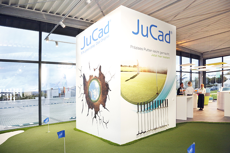 Inauguration_JuCad_Center_putting-green_image_2 copie