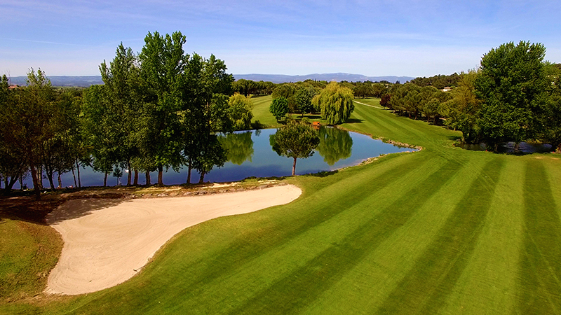 Sud-France-Golf-Golf_Carcassonne_TrouEtang-copie2